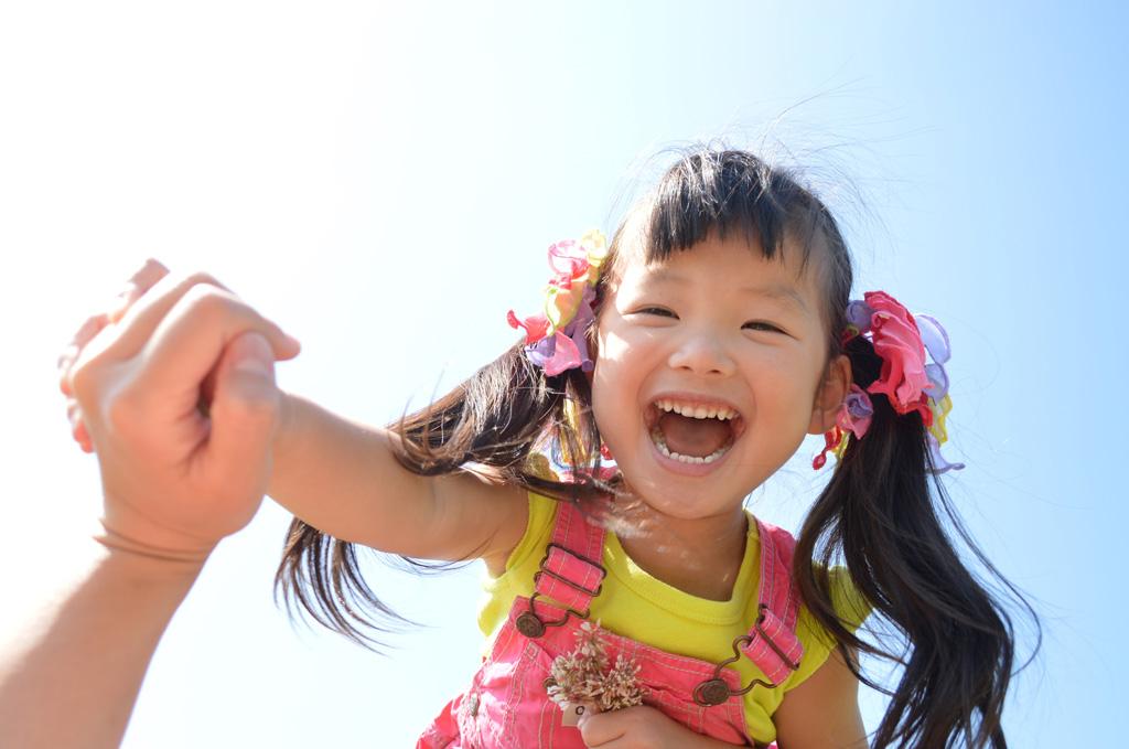 子供の笑顔 オルソケラトロジー